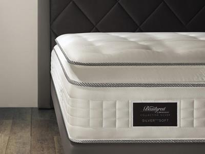 Gros plan sur Beautyrest by Simmons Vue rapprochée d'un matelas Beautyrest by Simmons
