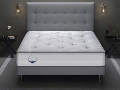 Personalized bed with Boxspring